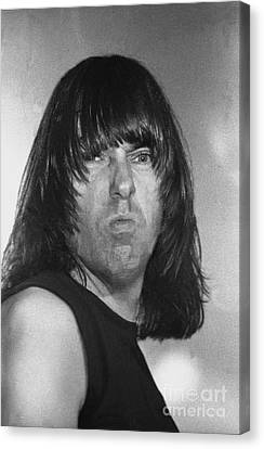Ramones - Johnny Ramone Canvas Print by Concert Photos