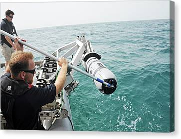Us Navy Underwater Mine Clearance Drone Canvas Print by Us Navy