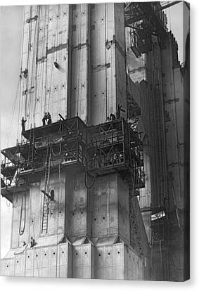 Ggb Tower Under Construction Canvas Print by Underwood Archives