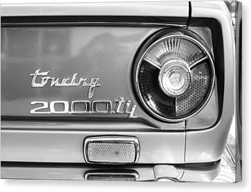 1972 Bmw 2000 Tii Touring Taillight Emblem -0182bw Canvas Print by Jill Reger