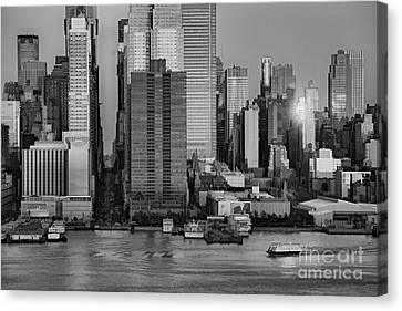 42nd Street Times Square Bw Canvas Print by Susan Candelario