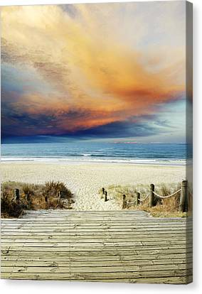 Beach View Canvas Print by Les Cunliffe