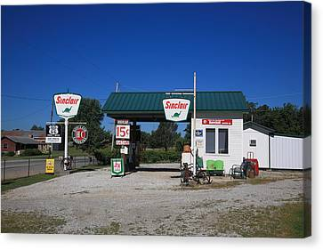 Route 66 Sinclair Station Canvas Print by Frank Romeo