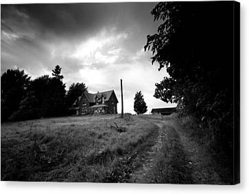 Abandoned Farm Home Canvas Print by Cale Best