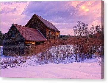 Abandoned Farmhouse Winter Canvas Print by Jeff Sinon
