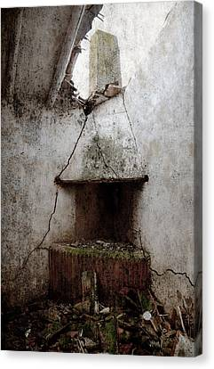 Abandoned Little House 2 Canvas Print by RicardMN Photography