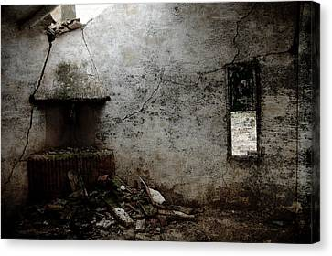 Abandoned Little House 3 Canvas Print by RicardMN Photography