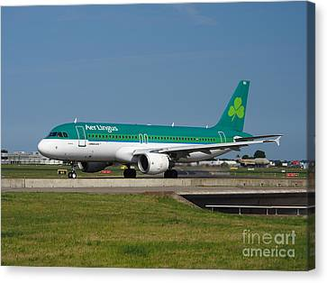 Aer Lingus Airbus A320 Canvas Print by Paul Fearn