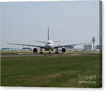 Air Transat Airbus A330 Canvas Print by Paul Fearn