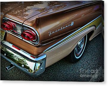 American Luxury - Ford Fairlane 500 Canvas Print by Lee Dos Santos