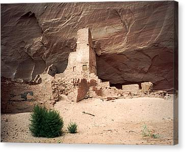 Ancient Homes In Canyon De Chelly 1993 Canvas Print by Connie Fox