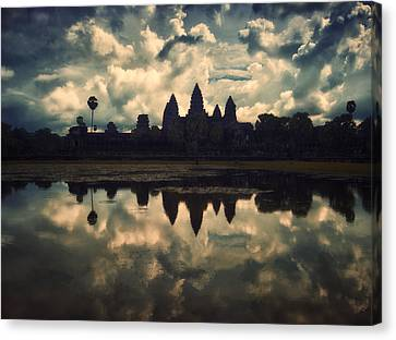 Angkor Wat Sunset Canvas Print by Kim Andelkovic