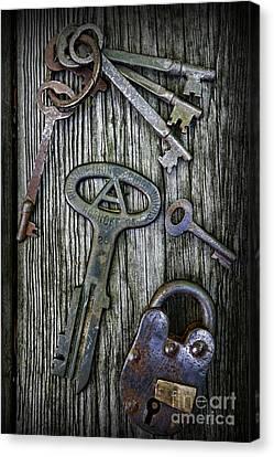 Antique Keys And Padlock Canvas Print by Paul Ward