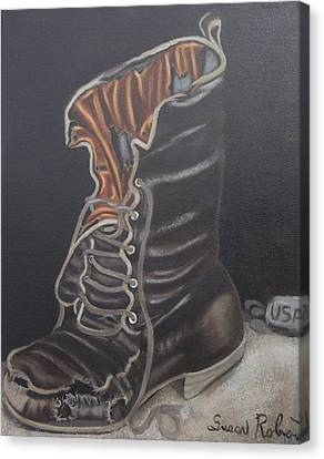 Army Boot Retired  Canvas Print by Susan Roberts