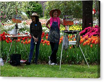 Artists Posing For Papparazzi II Canvas Print by Suzanne Gaff