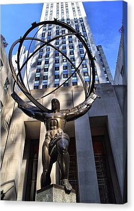Atlas Statue At Rockefeller Center Canvas Print by Dan Sproul