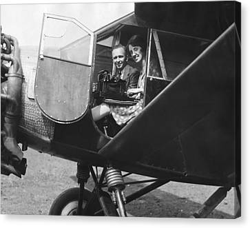 Aviator Clarence Chamberlin Canvas Print by Underwood Archives