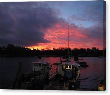 Baiting Up At Glen's Lobster Canvas Print by Donnie Freeman