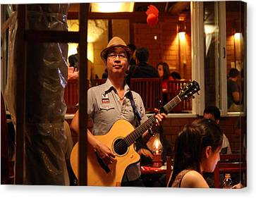 Band At Palaad Tawanron Restaurant - Chiang Mai Thailand - 01133 Canvas Print by DC Photographer