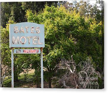 Bates Motel 5d28623 Canvas Print by Wingsdomain Art and Photography