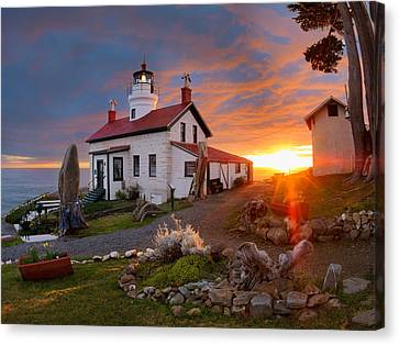 Battery Point Lighthouse Canvas Print by Leland D Howard