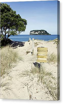 Beach Sign Canvas Print by Les Cunliffe