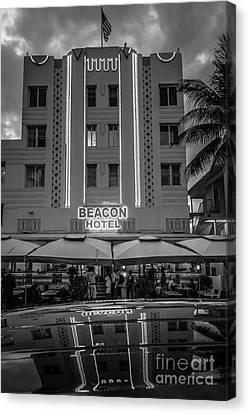 Beacon Hotel Art Deco District Sobe Miami - Black And White Canvas Print by Ian Monk
