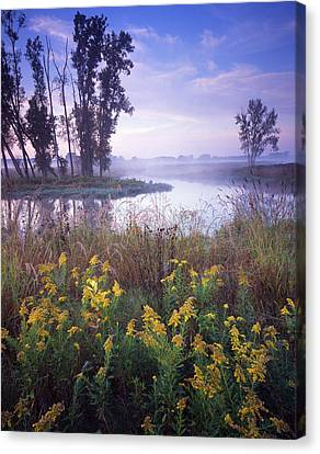 Beautiful Bend Canvas Print by Ray Mathis