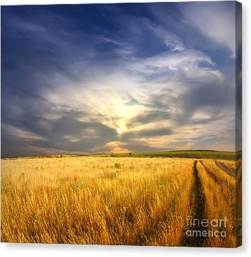 Beautiful Sunrise Pictures Canvas Print by Boon Mee