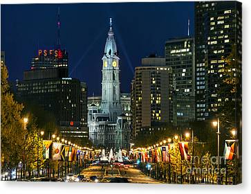 Ben Franklin Parkway And City Hall Canvas Print by John Greim