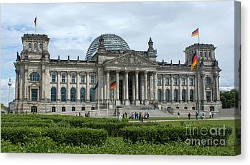 Berlin - Reichstag Front Canvas Print by Gregory Dyer