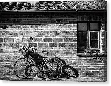 Bicycle In Black And White Canvas Print by Clint Brewer