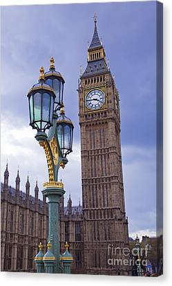 Big Ben And Lampost Canvas Print by Simon Kayne