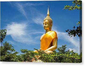 Big Buddha With Bluesky  Canvas Print by Manun Ngueampha