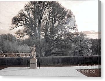 Biltmore Estate House Italian Garden Terrace Statues  Canvas Print by Kathy Fornal