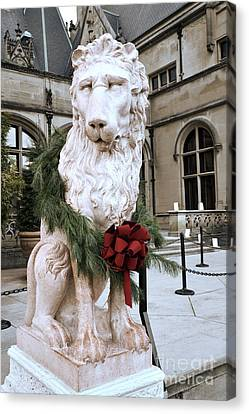 Biltmore Mansion Estate Lion - Biltmore Mansion Mascot - Biltmore Lion Christmas Wreath Canvas Print by Kathy Fornal