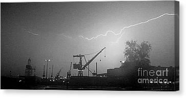 Biw Lightning 2 Canvas Print by Donnie Freeman