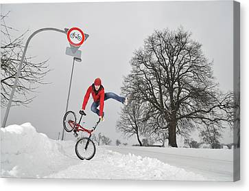 Bmx Flatland In The Snow - Monika Hinz Jumping Canvas Print by Matthias Hauser
