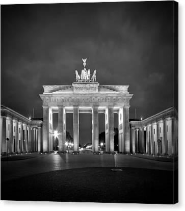 Brandenburg Gate Berlin Black And White Canvas Print by Melanie Viola