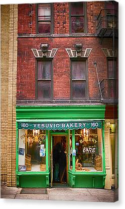 Bread Store New York City Canvas Print by Garry Gay