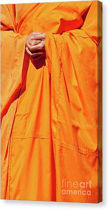 Buddhist Monk 02 Canvas Print by Rick Piper Photography