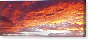 Burning Sky  Canvas Print by Les Cunliffe