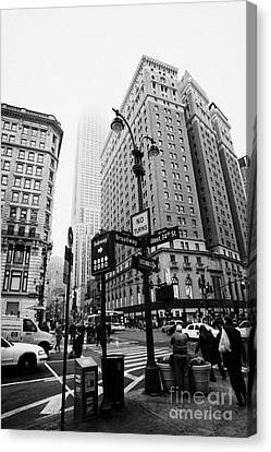 Busy Traffic Junction Of West 34th Street St And Broadway With Empire State Building Shrouded Mist Canvas Print by Joe Fox