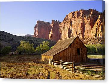 Capitol Barn Canvas Print by Chad Dutson