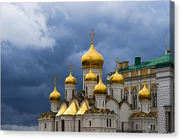 Cathedral Of The Annunciation Of Moscow Kremlin Canvas Print by Alexander Senin