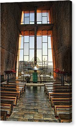 Chapel Of The Holy Cross Interior Canvas Print by Jon Berghoff