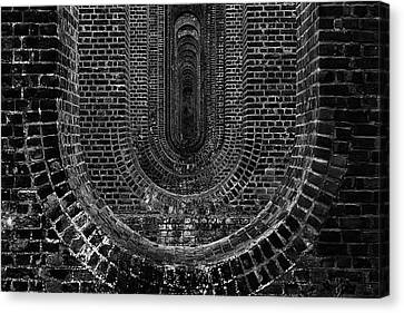 Chapel Viaduct Essex Uk Canvas Print by Martin Newman