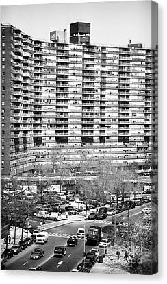 Chatham Green 1990 Canvas Print by John Rizzuto