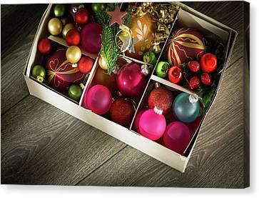 Christmas Baubles In A Box Canvas Print by Wladimir Bulgar
