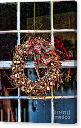 Christmas Wreath Canvas Print by Darren Fisher